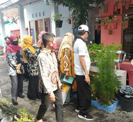 Penjurian Lomba Pawon Urip Tingkat Kecamatan di RW 8 Kelurahan Citrodiwangsan